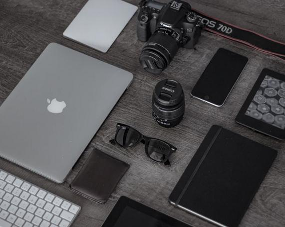 Gadgets You Should Have While Traveling